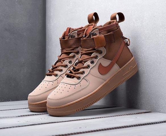 Nike SF Air Force 1 Mid brown