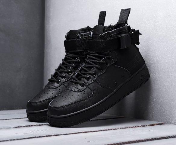 Nike SF Air Force 1 Mid all black