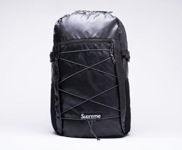 Черный рюкзак Supreme